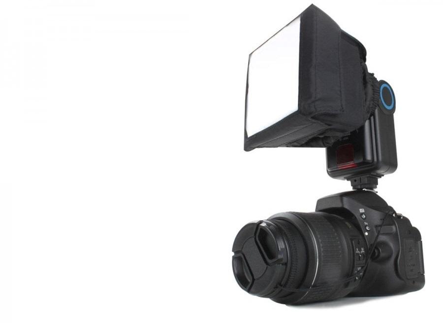 diffuserlı fotoğraf makinesi ve flaş